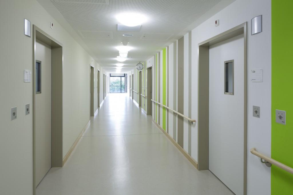 Nickl & Partner Architekten AG: Forensikneubau, Inn-Salzach-Klinikum, Gabersee