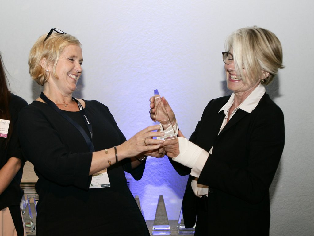 Jury member Charlotte Ruben presents the prize to Christine Nickl-Weller, photo: Andrew Jardine, European Healthcare Design 2016