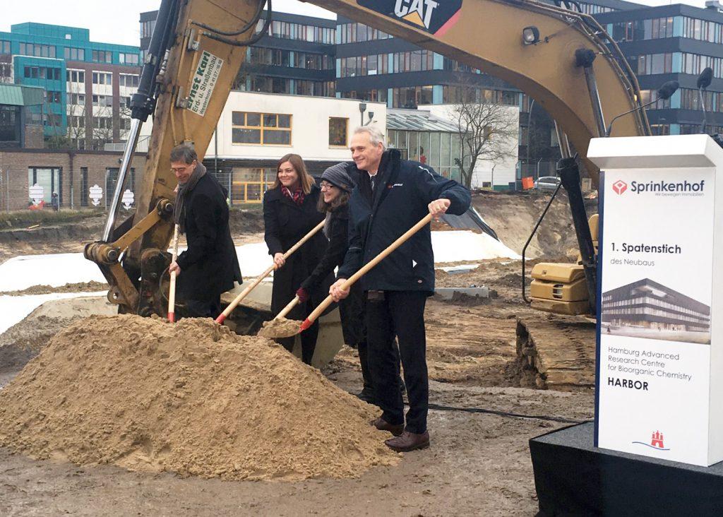 Von links nach rechts: Dr. Martin Hecht, Katharina Fegebank, Prof. Dr. Arwen Pearson, Martin Görge