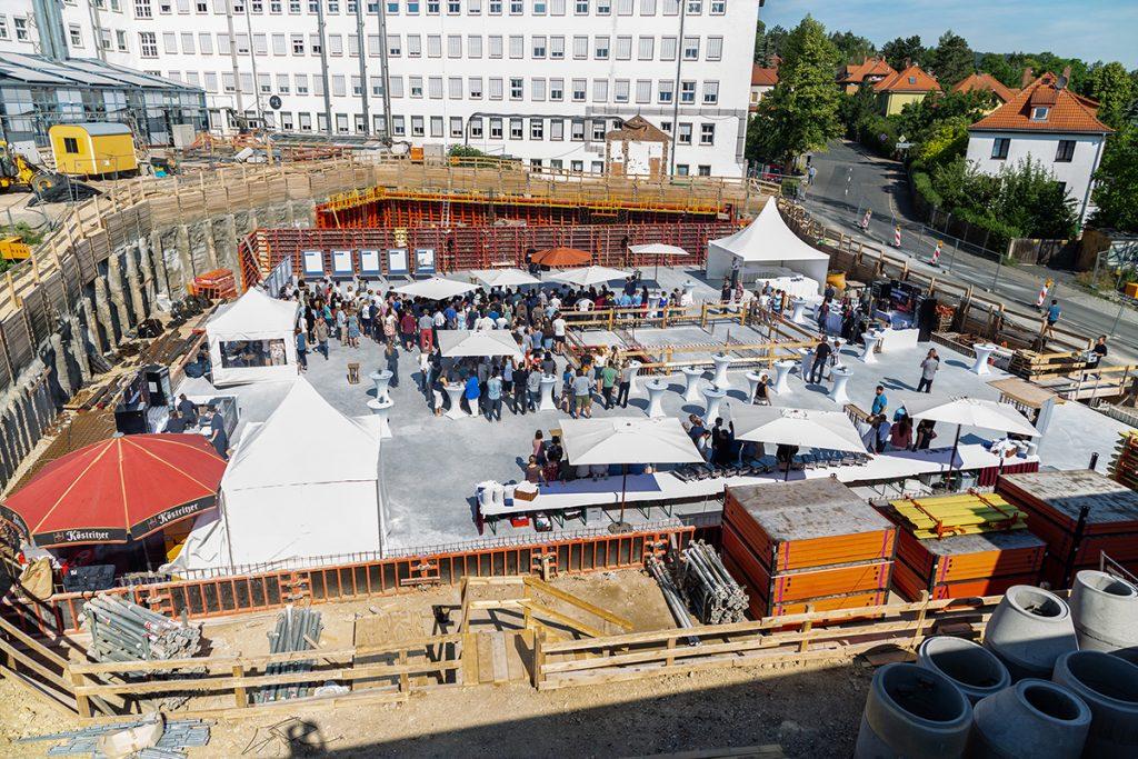 Die Baustelle wurde für kurze Zeit zum Festgelände Quelle: Leibniz-HKI / M. Hellebrandt