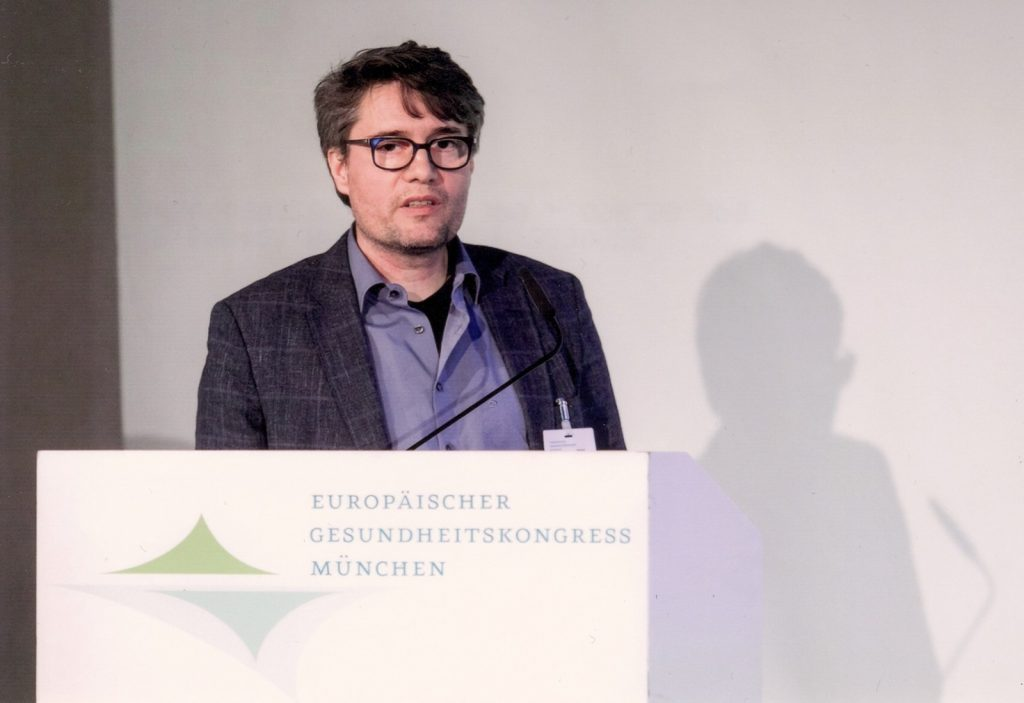 Managing Director Alexander Deutschmann during his lecture 'Hospitals – open to all' at the European Health Congress in Munich