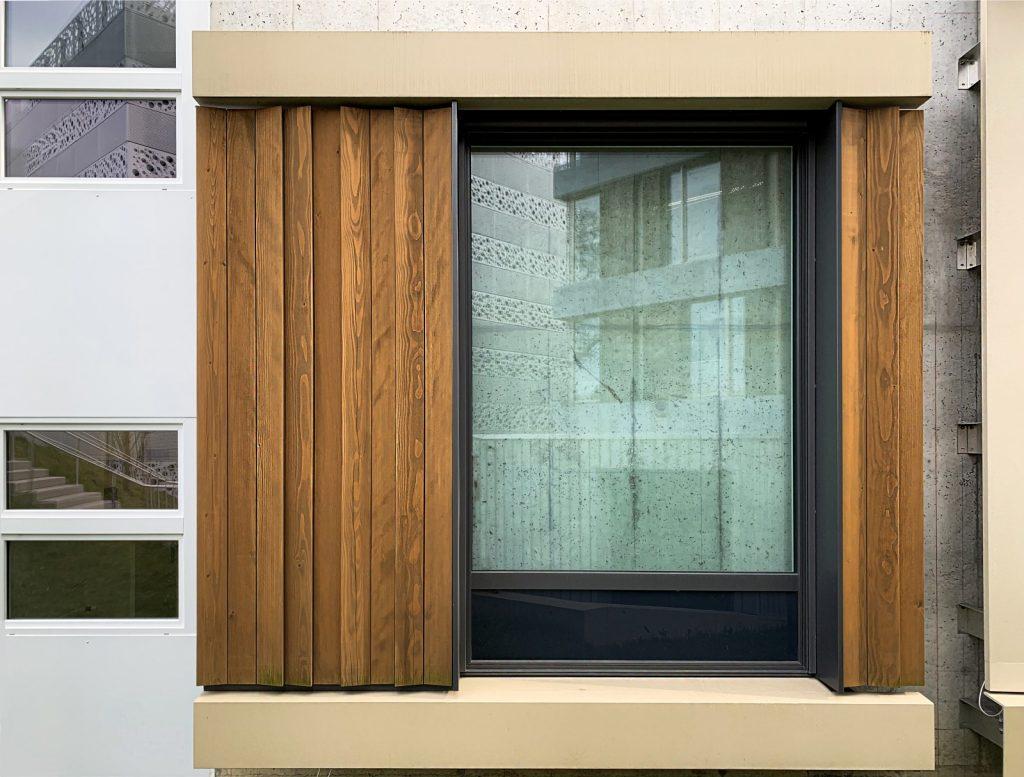 Mock-up der KSB Holzfassade.